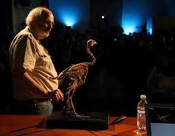Jack Horner presenting a TED talk about the chickenosaurus project. Photo by Paolo Sacchi, CC 2.0.